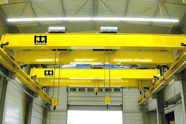 overhead-crane-operation