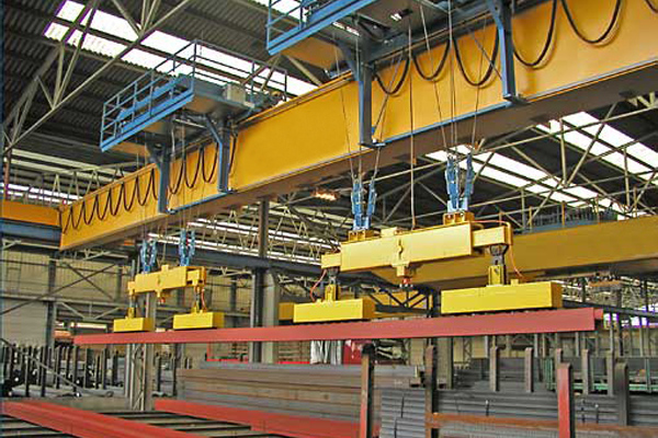 Overhead Crane with Electromagnetic Beam