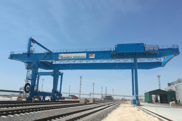Container-Gantry-Crane-for-Railway-Freight-Yard